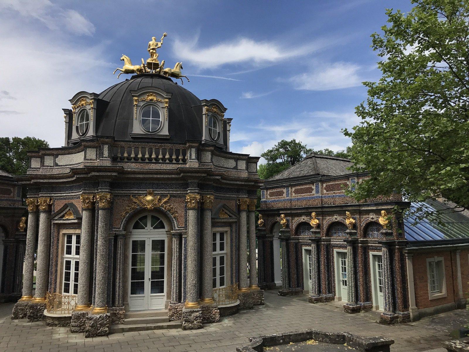 Orangerie in der Eremitage Bayreuth vom Parkplatz her kommend