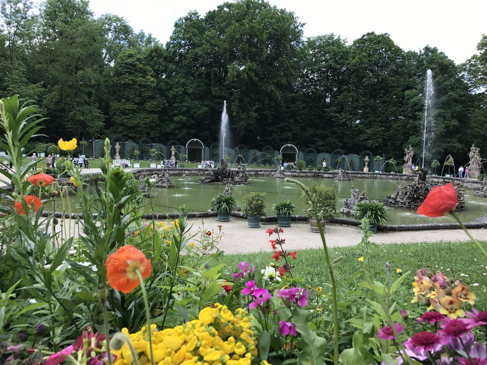 """Brunnen betrieb, dort an der Orangerie in der Erimitage Bayreuth """"Wasserspiele"""" genannt ;)"""