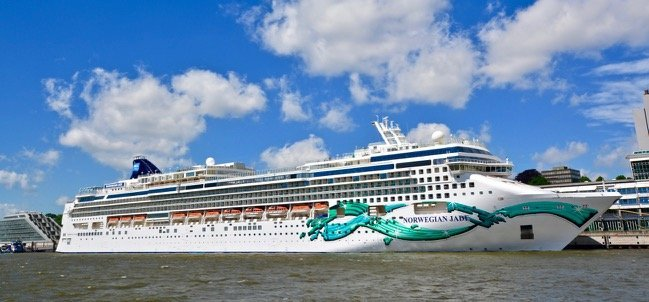 Norwegian Jade in Hamburg