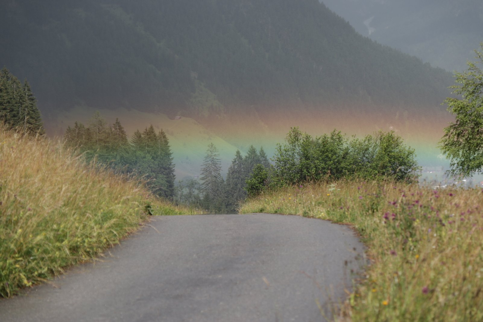 Wahnsinn - unter uns beginnt ein Regenbogen!