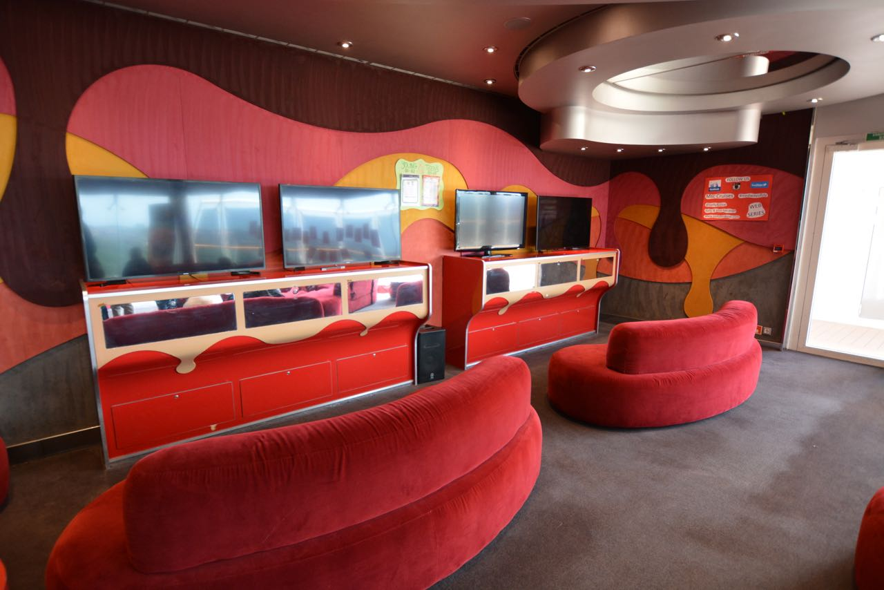 MSC Fantasia Teens Lounge