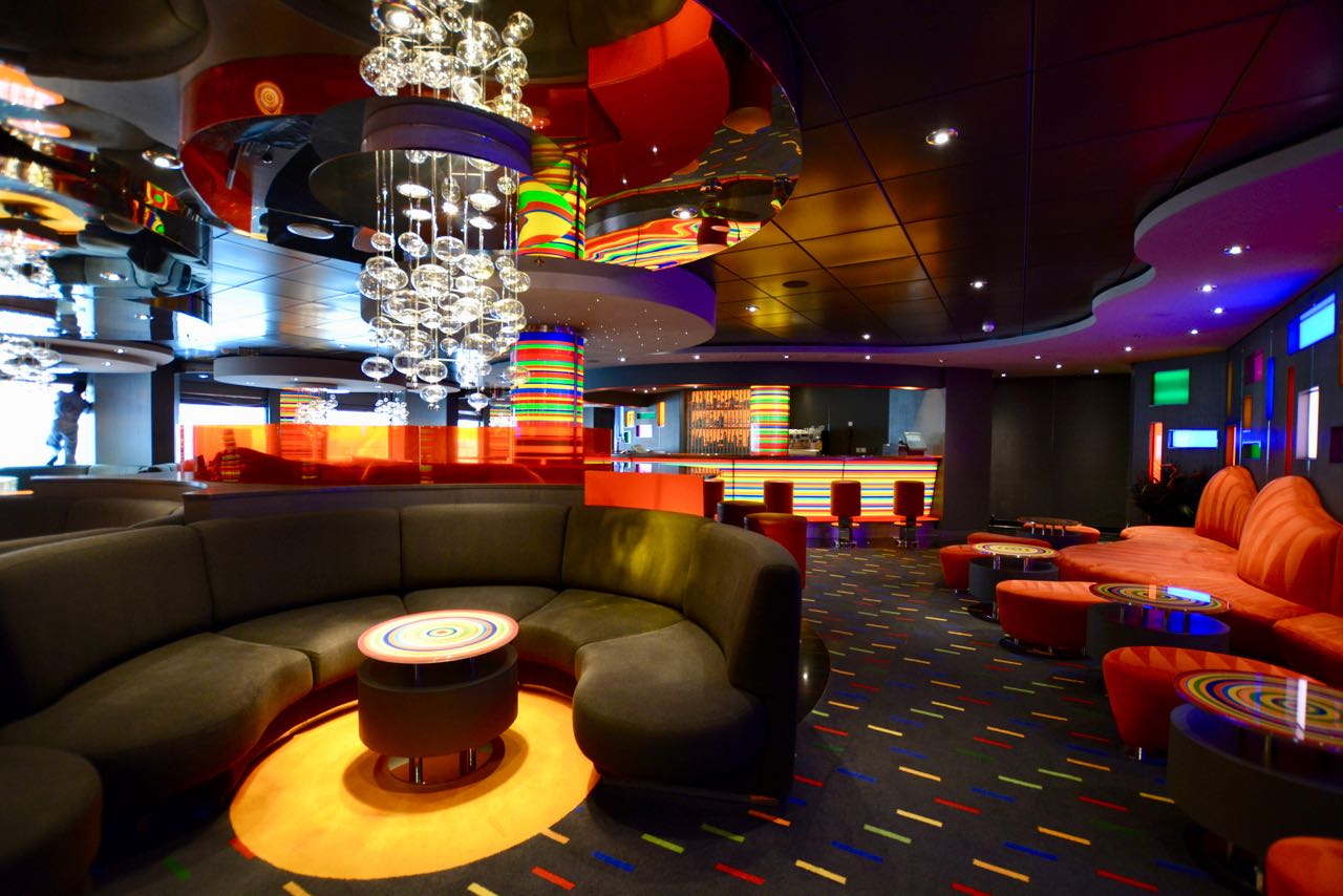 MSC Fantasia Manhattan Bar