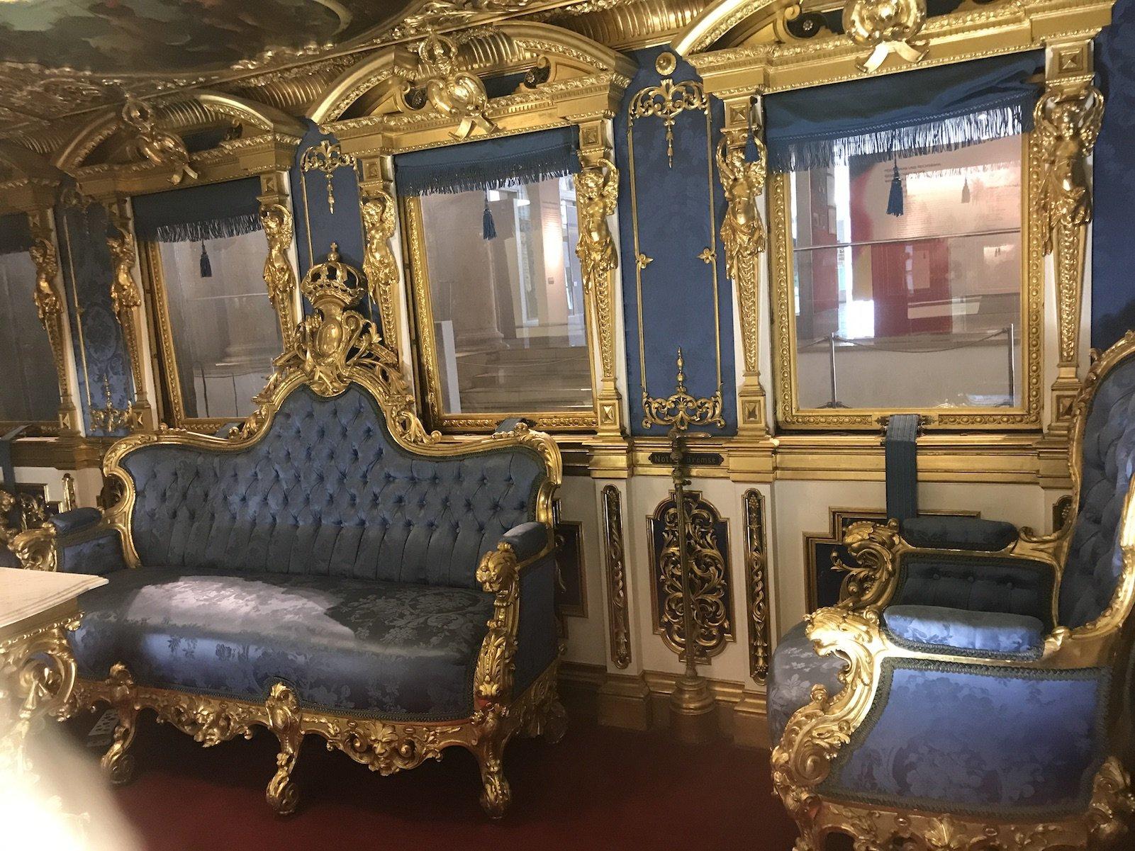 Teil 2 Inneneinrichtung des Salonwagens von Ludwig II.
