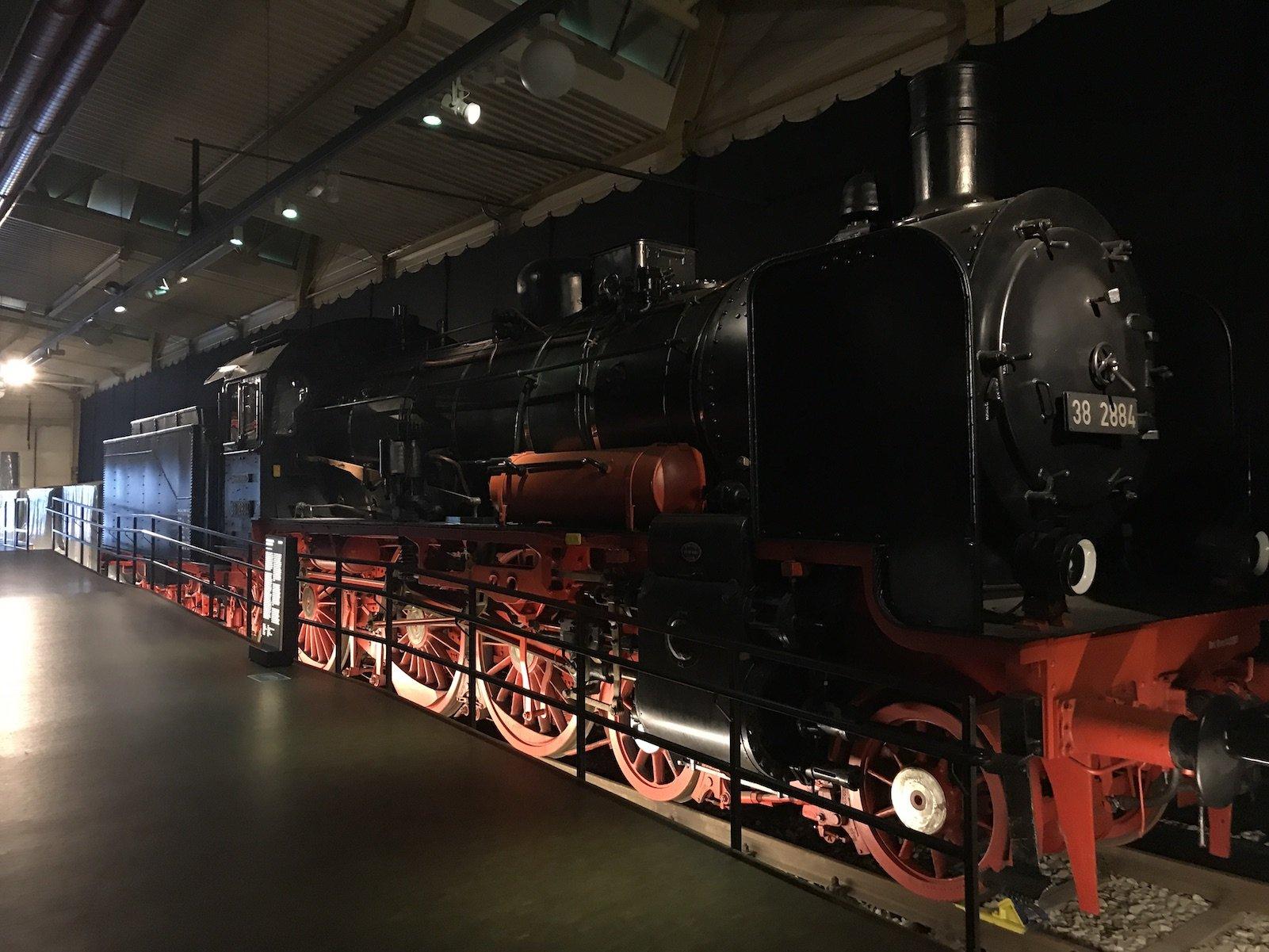Eine weitere schöne Lokomotive in der Fahrzeughalle II des DB Verkehrsmuseums in Nürnberg