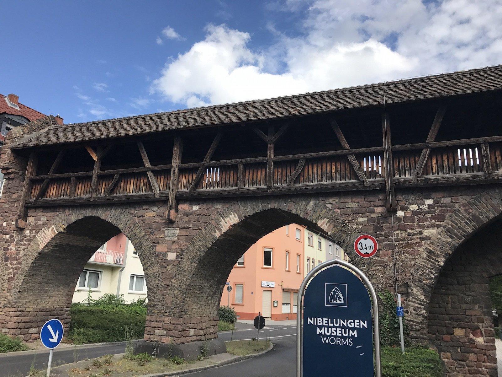 Ein Teil der Stadtmauer von Worms
