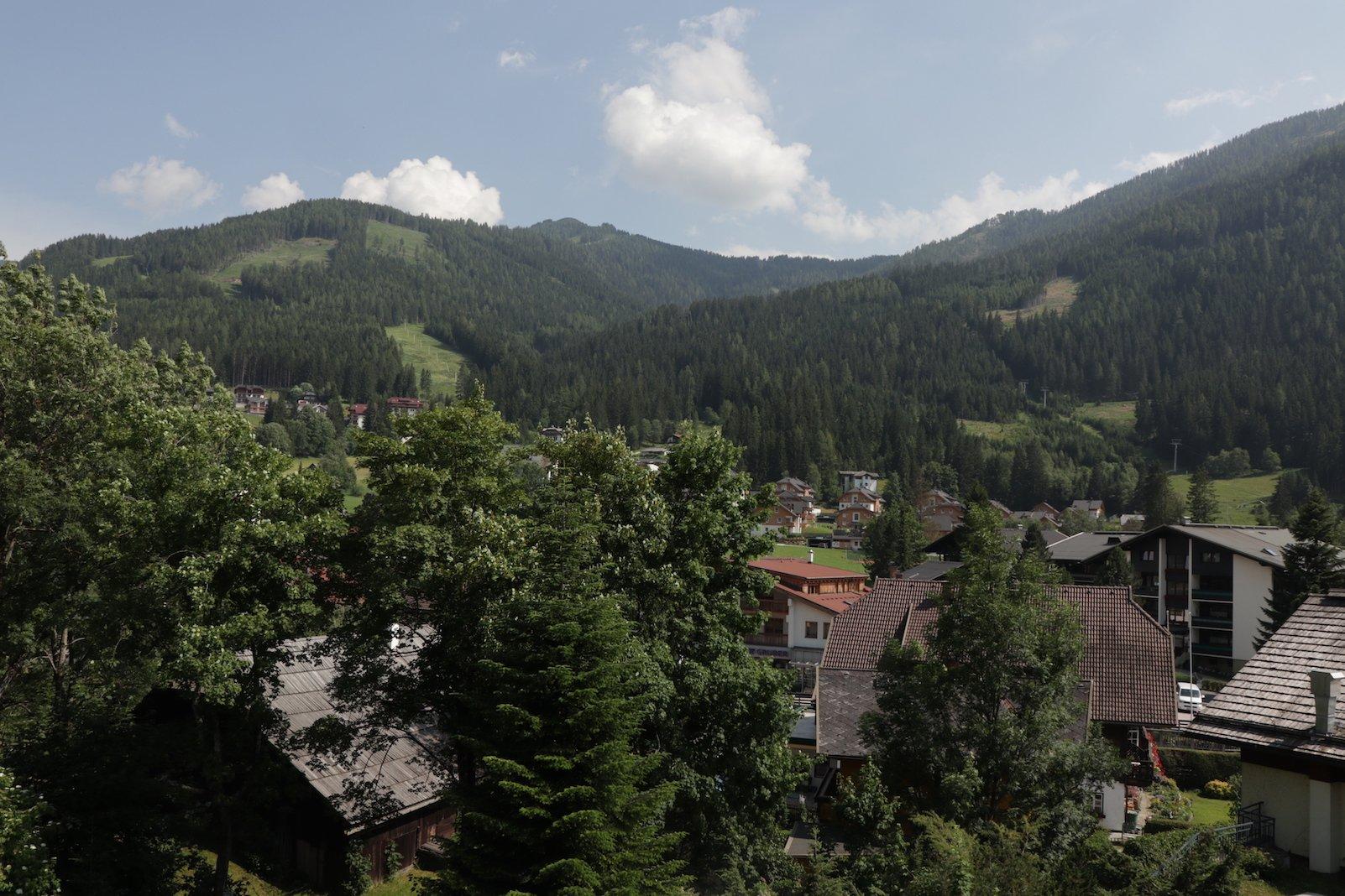 Herrlicher Ausblick vom Balkon unseres Zirbenzimmers im Hotel Pulverer