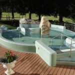 Whirlpool außen - ebenfalls mit Thermalheilwasser (36 Grad)