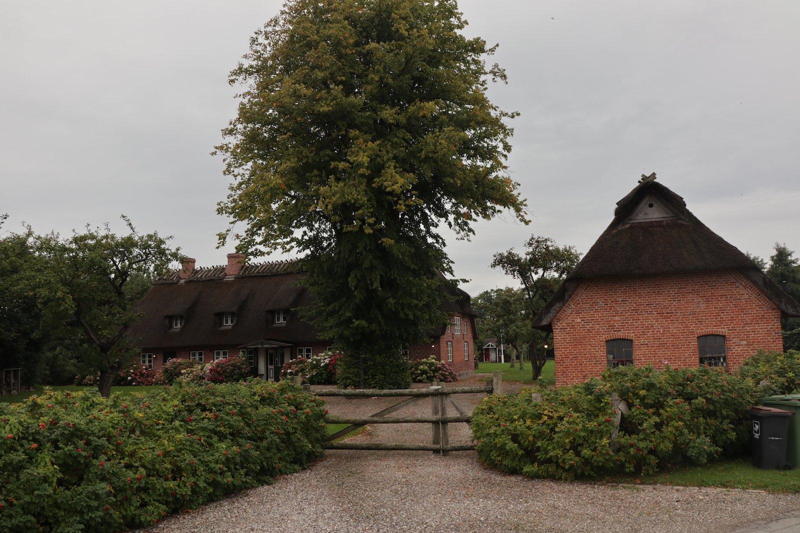 Ein schöner Hof auf der Strecke zur Ostsee