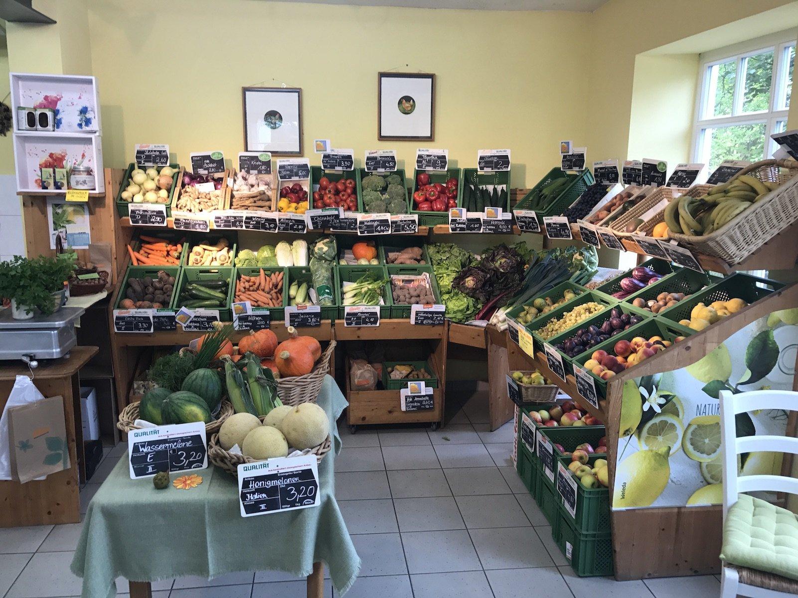Obst und Gemüse im Bio Höfeladen