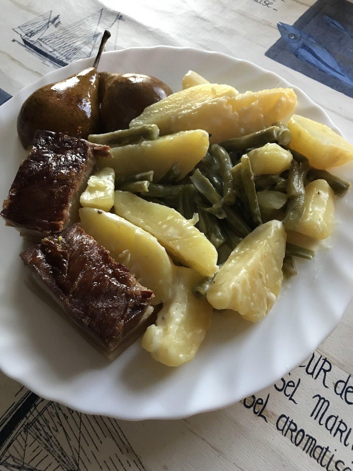 Birnen, Bohnen und Speck mit Kartoffeln aus dem Urlaubskochbuch nachgekocht