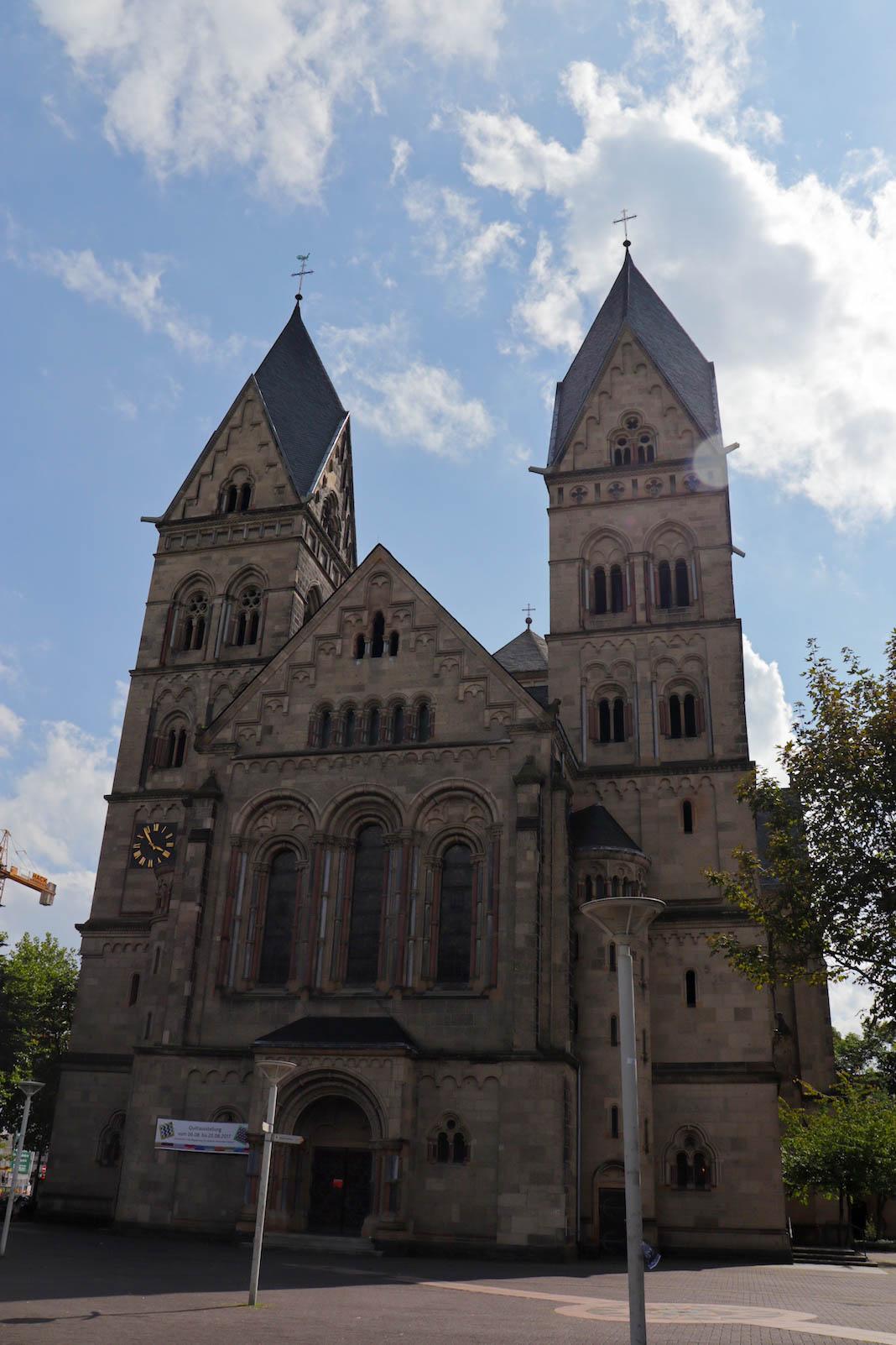 Basilika St. Kastor von der Eingangsseite her