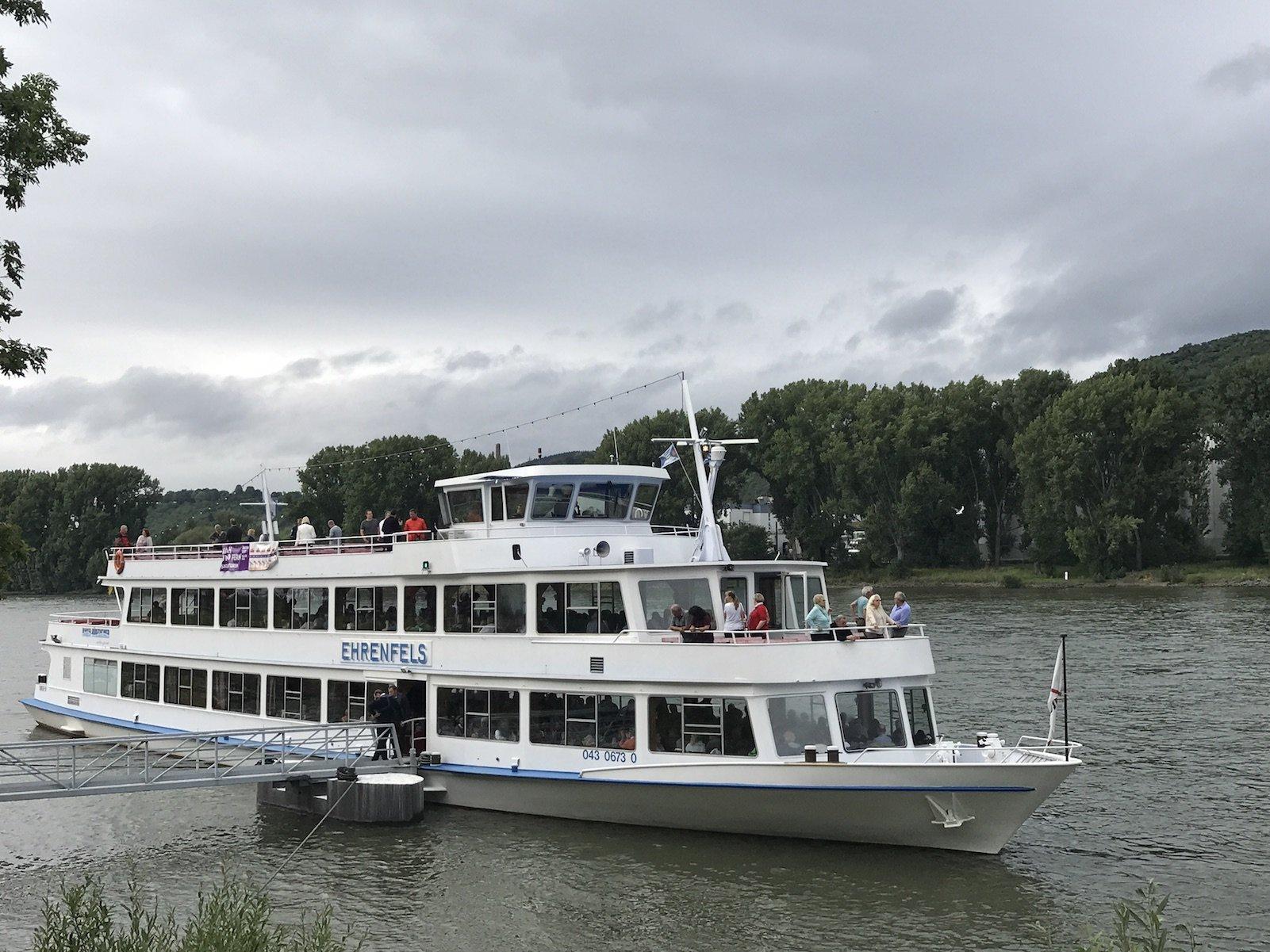 Unser Schiff, die MS Ehrenfels, für Rhein in Flammen in Spay / Koblenz