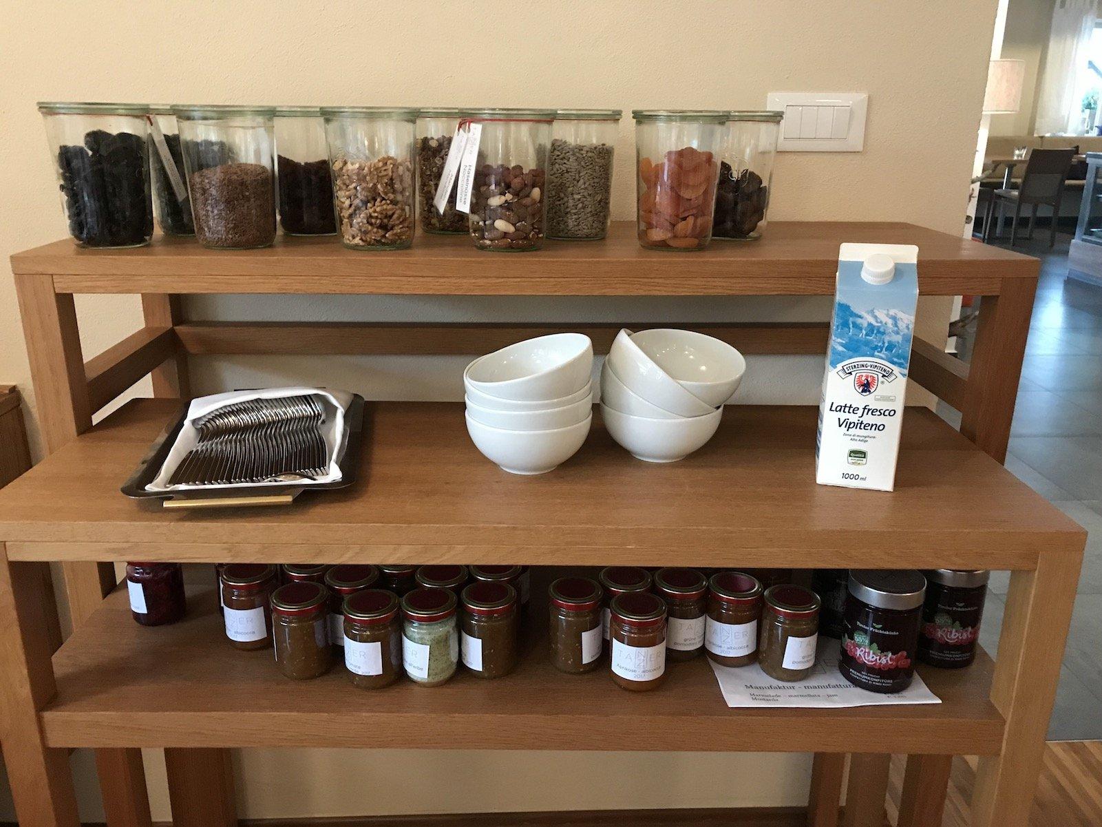 Trockenfrüchte und drölftausend Marmeladen