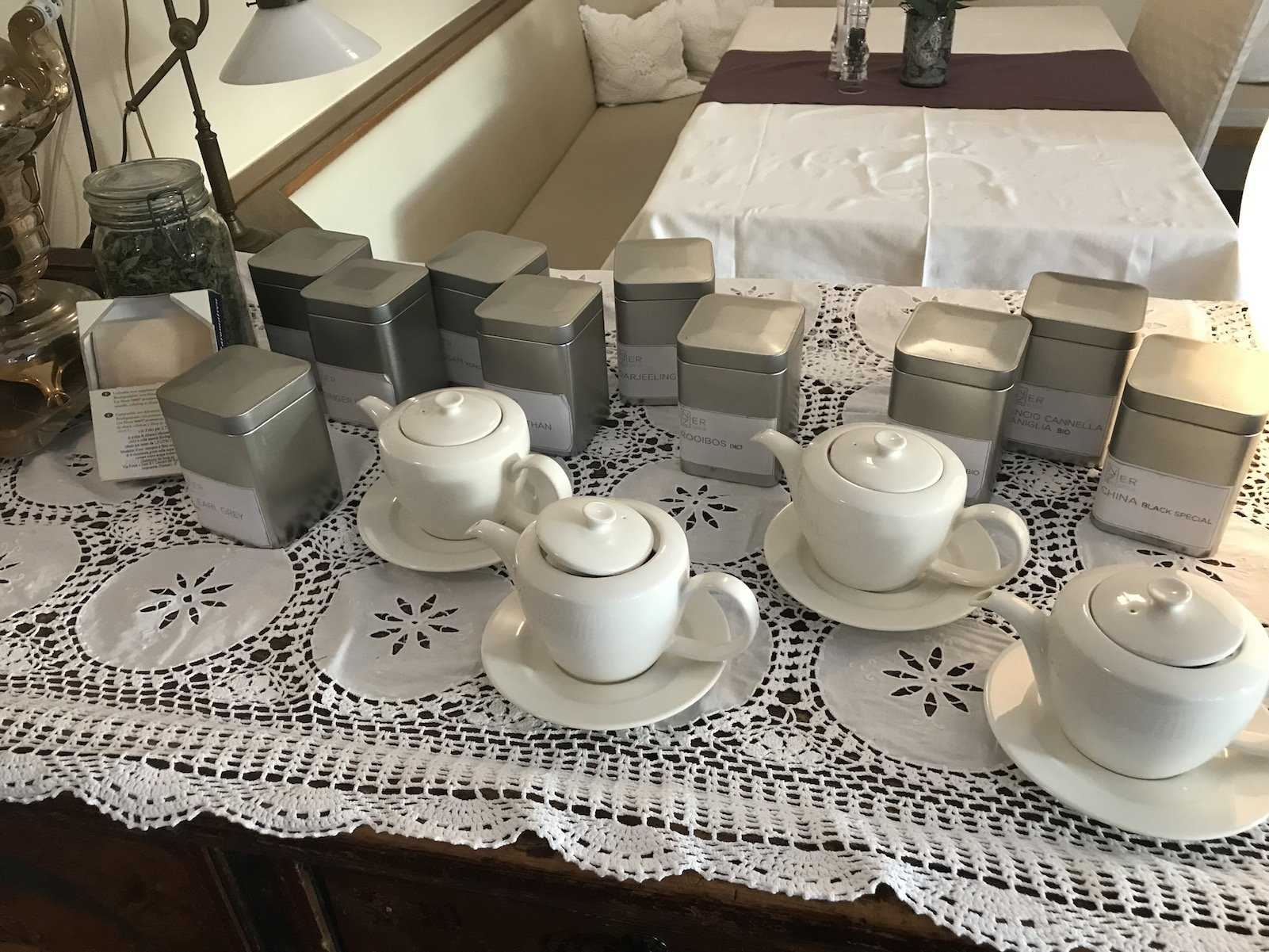 Und natürlich gibt es auch Tee
