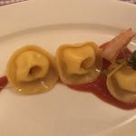 Tortelli mit Polenta, Passato und Riesengarnele