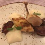 Maispoularde mit Kartoffelespuma, Portweinschalotten (ohne Trüffeljus für mich...)