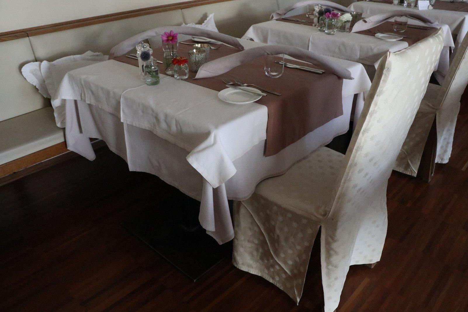 Ein eingedeckte Tisch (Bild vom Nachmittag)
