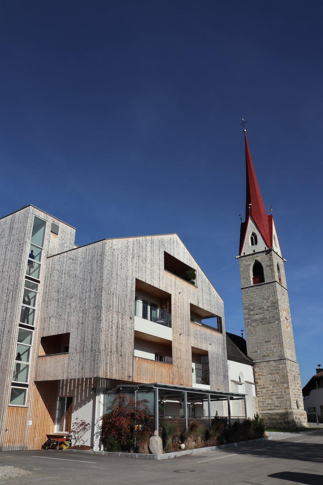Hotel Tanzer und Sankt Nikolauskirche