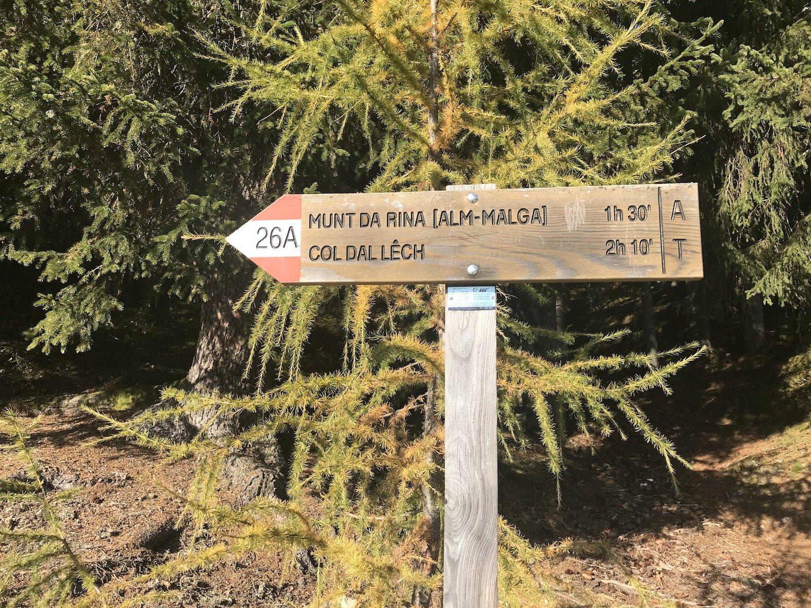 Wegbeschilderung für unsere Wanderung in der Region Kronplatz