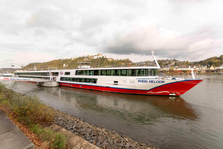 Die MS Rhein Melodie auf dem Rhein in Koblenz