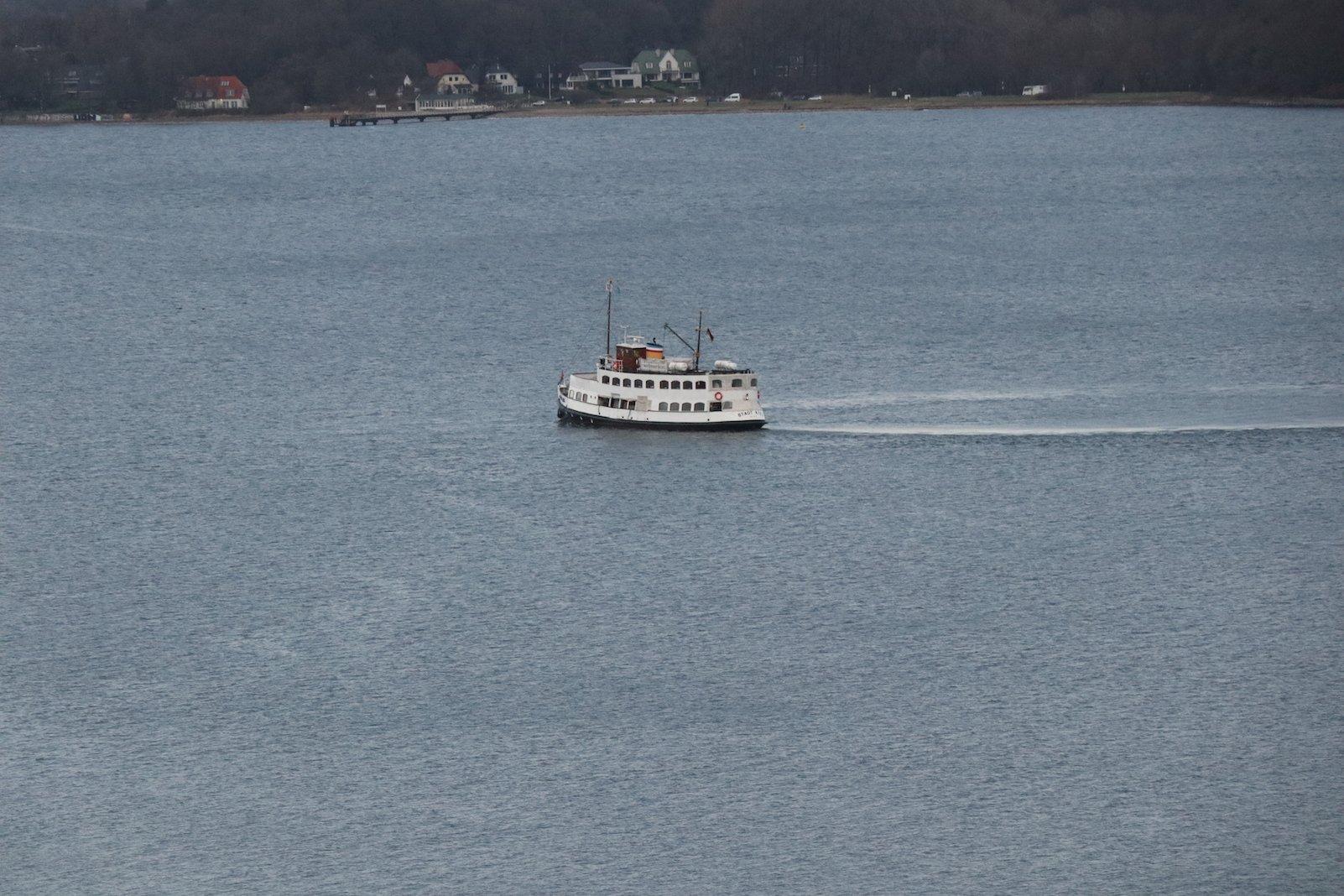 Ein Schiff kreiselt munter vor sich hin....