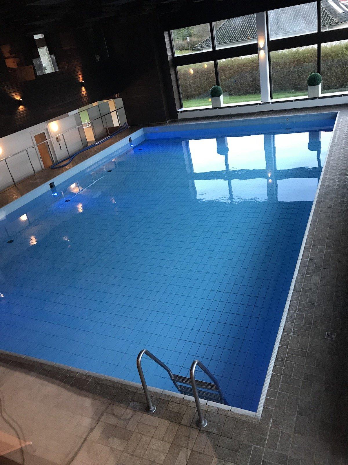 Pool im Maritim Hotel Bellevue Kiel