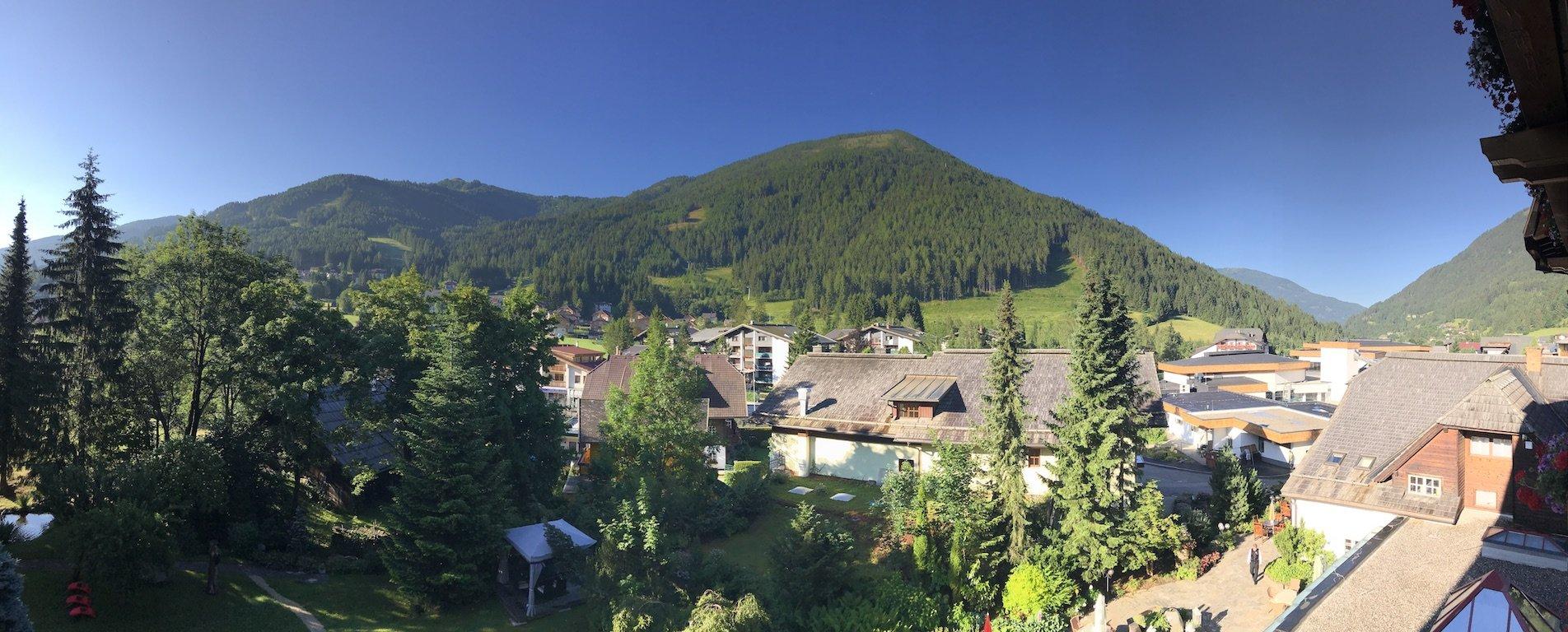 Panorama vom Hotelzimmer aus - perfektes Wetter für eine Wanderung in Kärnten