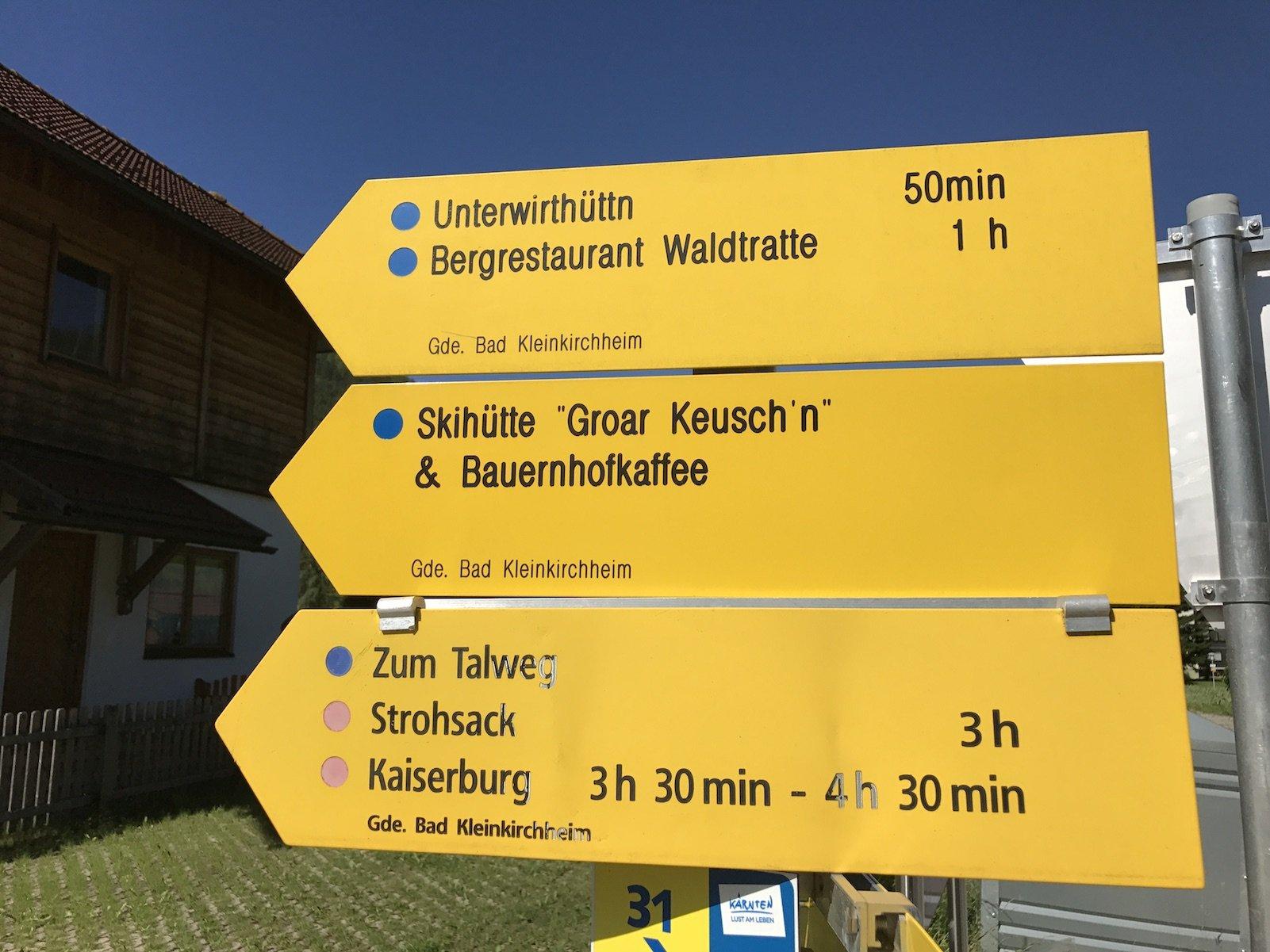 Wegbeschilderung im Tal in Bad Kleinkirchheim
