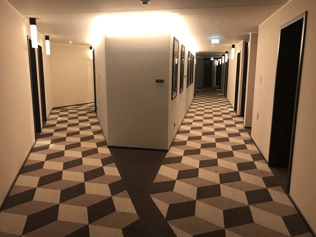 Flur im dritten Stock des Hotels The Liberty Bremerhaven