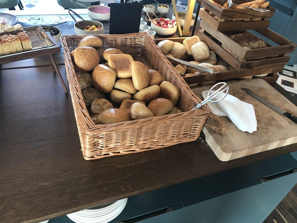 Brot und Brötchenauswahl im The Liberty Hotel Bremerhaven