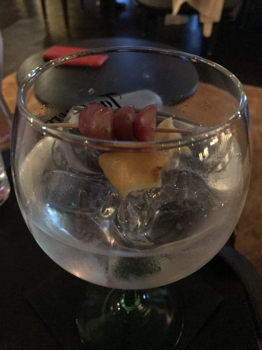 Gin Tonic mit G´,Vine Floraison Gin in der NEW YORK BAR im The Liberty Hotel Bremerhaven