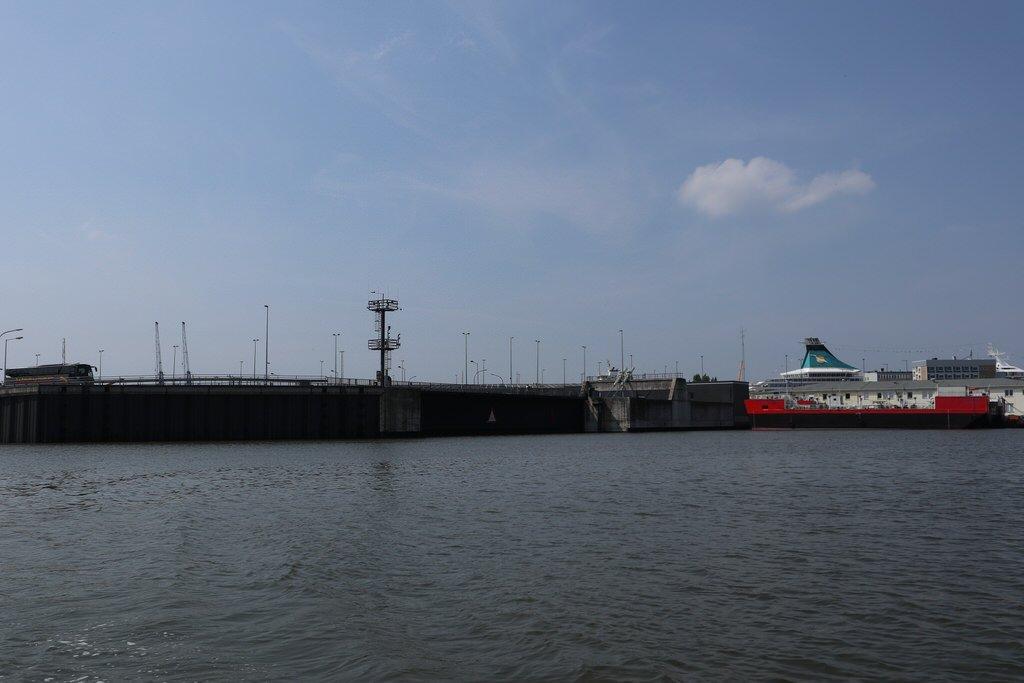 Das Tor zur neuen Kaiserschleuse Bremerhaven