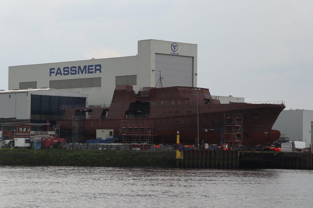 Bundespolizeischiff bei der Fassmer Werft im Bau