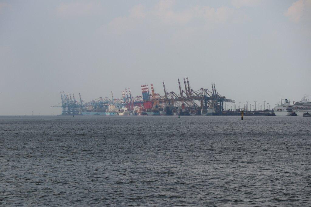 Eine der längsten Kajenfronten der Welt in Bremerhaven