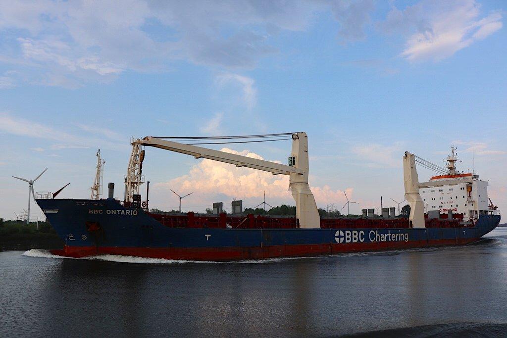 Frachtschiff BBC Ontario, immerhin 138.07 m lang
