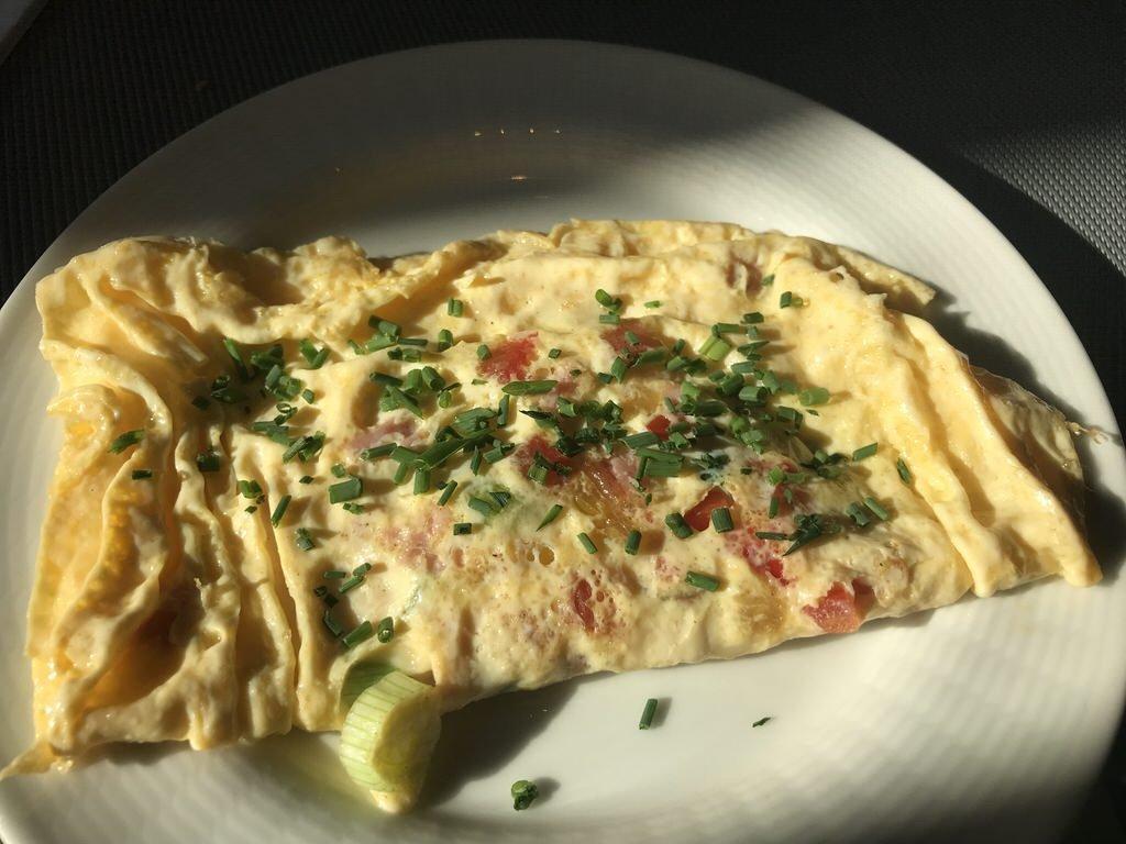 Omelette frisch zubereitet Tag 1 im Maritim Hotel Bremen
