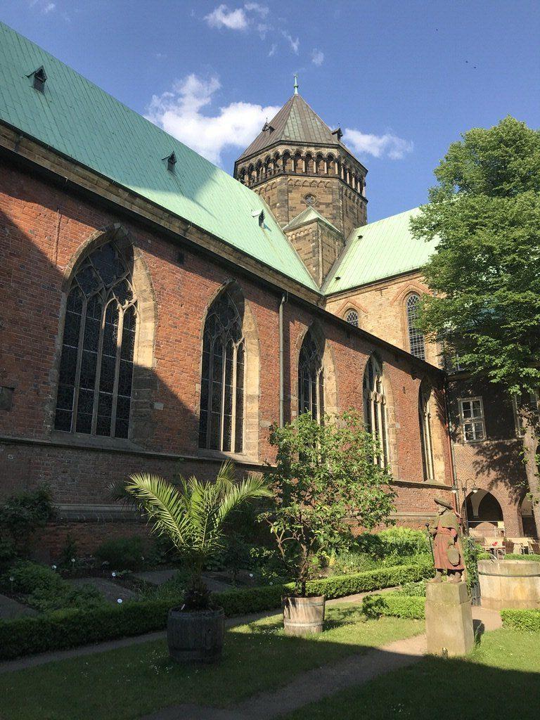 Ein Blick in den Bremer Bibelgarten am Bremer Dom