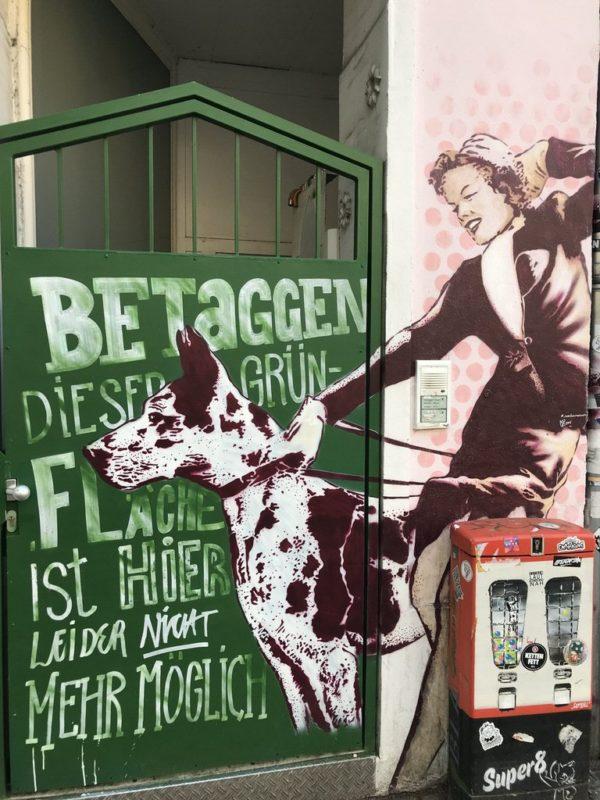 Eins von zahlreichen Auftragsgraffities im Steintorviertel Bremen