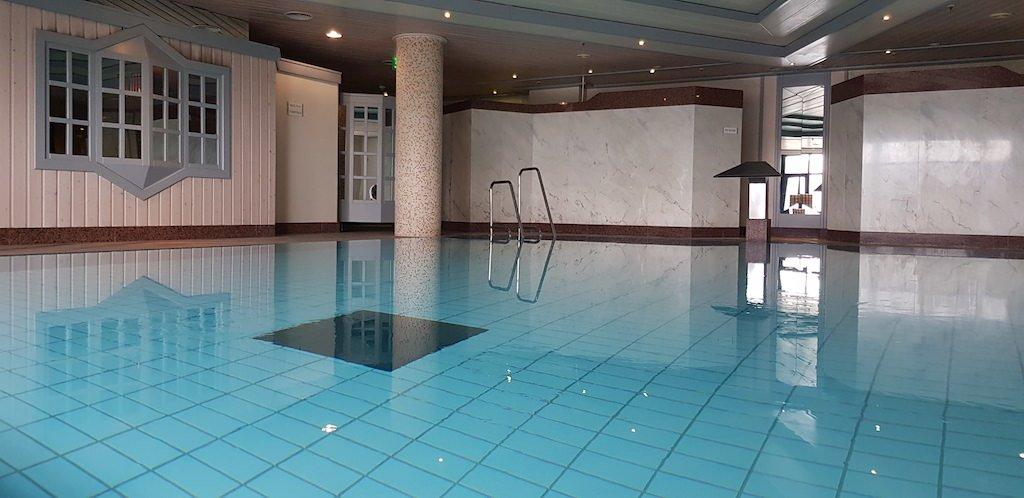 Pool im Maritim Airpot Hotel Hannover (Foto: Andre Dietenberger vom <a href=