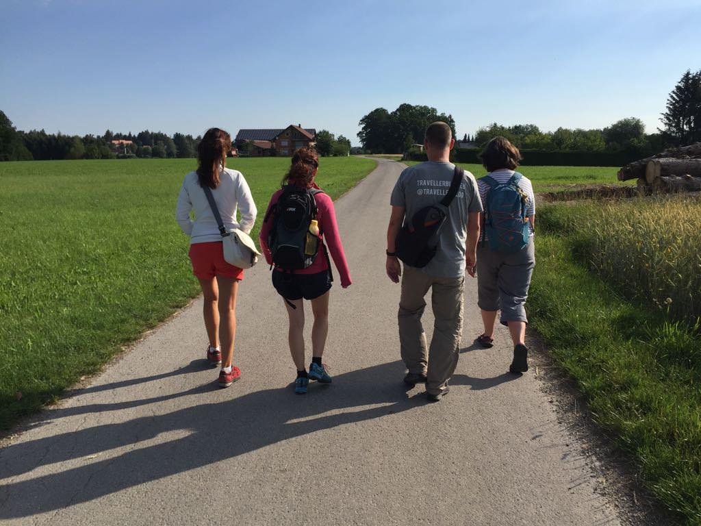 Unsere kleine Wandergruppe auf der Wandertrilogie (Foto: Stefan Fredlmeier)