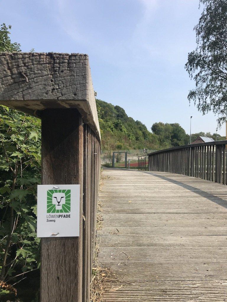 Zuweg zur Felsenrunde der Löwenpfade ab der Autalhalle / Bad Überkingen
