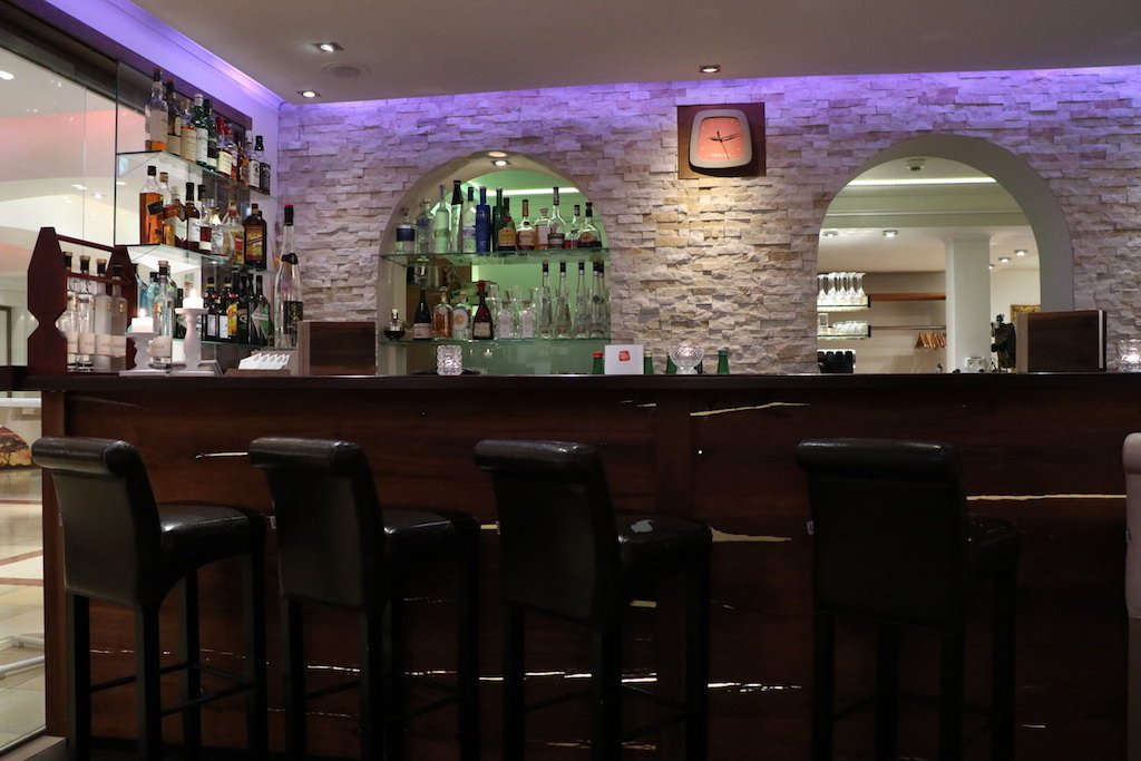 Die Bar im GUT EDERMANN am Abend