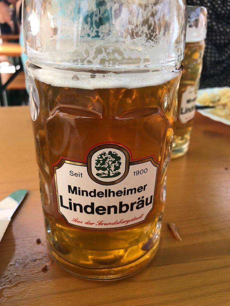 Eine Halbe Mindelheimer Lindenbräu auf dem Frundsbergfest - lecker!