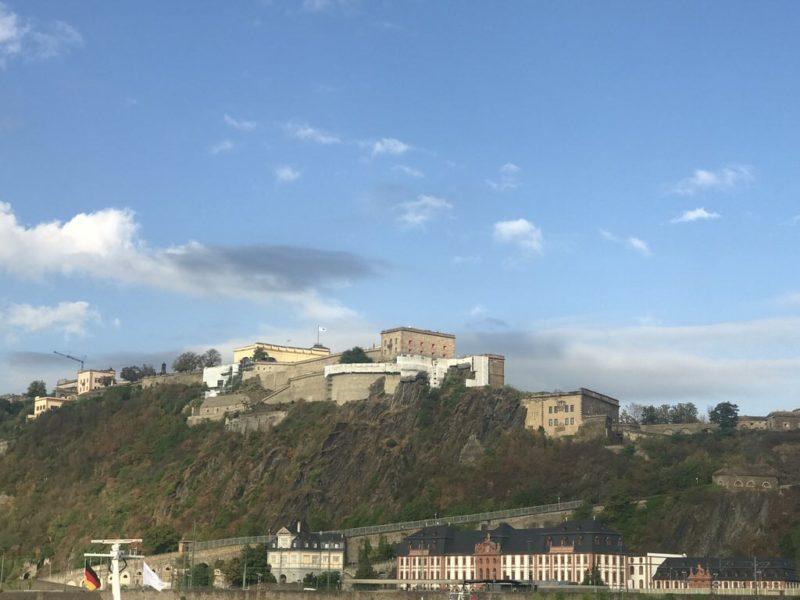 Seilbahn Koblenz zur Festung Ehrenbreitstein bei besten Wetter