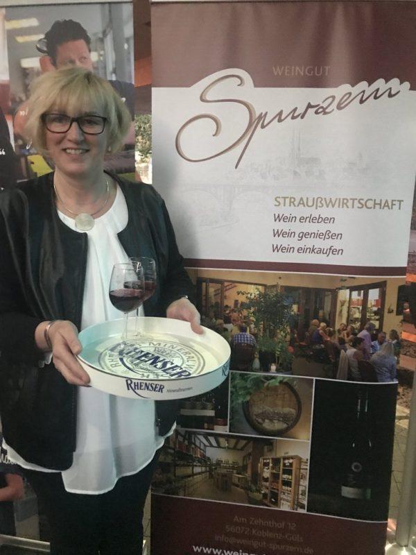 Lecker Spätburgunder vom Weingut Spurzem Koblenz als ersten Wein der Fliegenden Weinprobe in der Seilbahn Koblenz