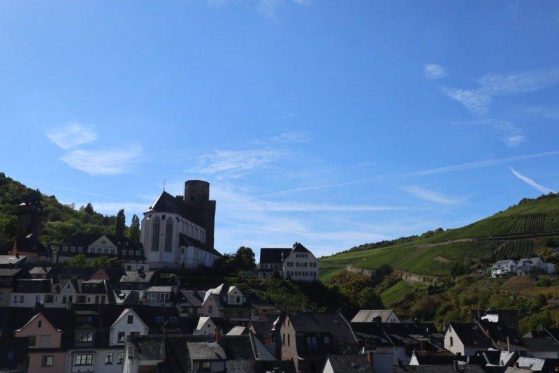 Blick vom Steingassenturm zur Pfarrkirche St. Martin in Oberwesel