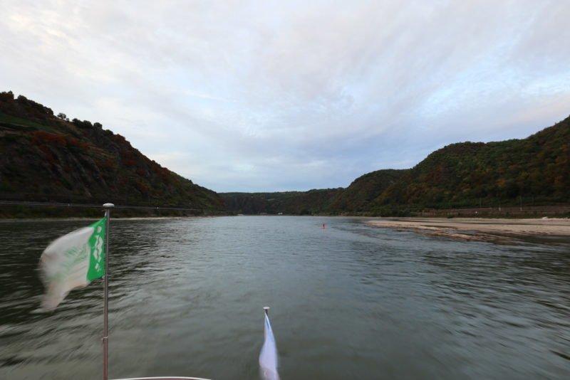 Volle Fahrt voraus mit der MS RheinDream bei Rhein in Flammen 2018 in Oberwesel