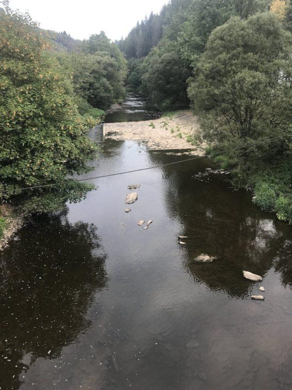 Viel Wasser ist nichtmehr in der Our - zwei Monate vorher war es noch ein reissender Fluss nach dem Unwetter