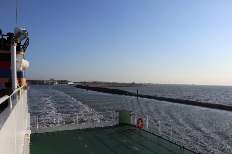 Wir verlassen den Hafen Norddeich Mole in Richtung Juist