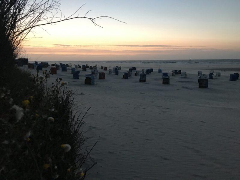 Nach dem Sonnenuntergang folgt ein zweiter Sonnenuntergang optisch - immer wieder faszinierend auf Juist